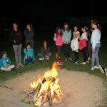 Druzenje oko logorske vatre